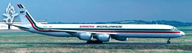 Лайнер Douglas DC-8-71, причины падения которого рассматриваются в Расследование авиакатастроф 18 сезон 1 серия