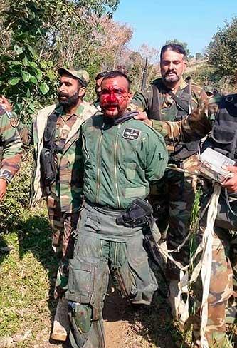 Пилот ВВС Индии, взятый в плен